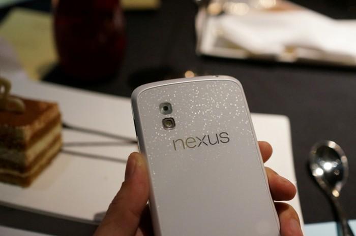 Google-LG-Nexus-4-White-1 Google Offers Nexus 4 at an Incredible Price