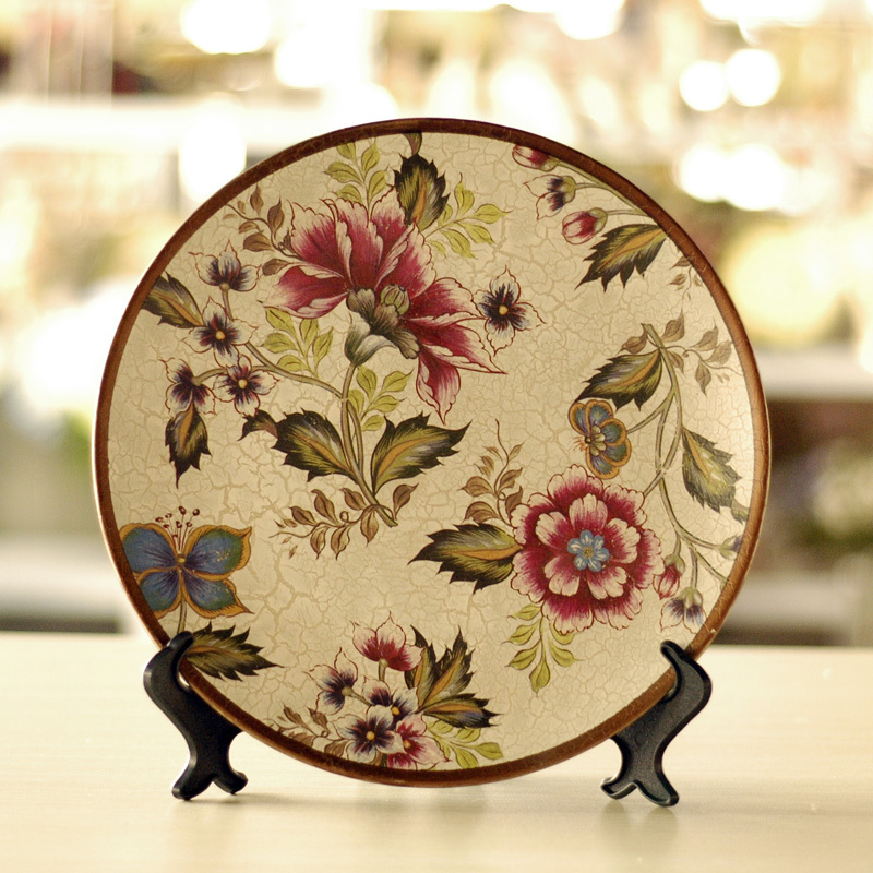Hand-Painted-Fashion-butterflies-crafts-ceramic-decoration-plate-belt-rack 20 Wonderful Designs Of Ceramic Plates