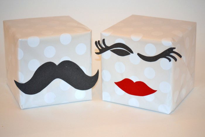 His-and-Her-wrapping-1 35 Creative and Simple Gift Wrapping Ideas