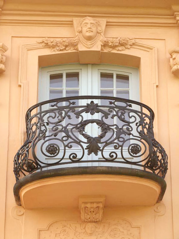 IronBalconyClassicCRJ0789 60+ Best Railings Designs for a Catchier Balcony