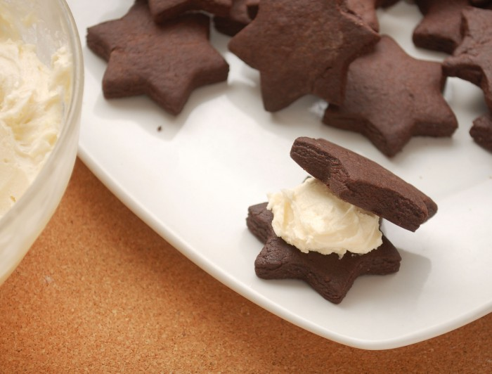 Make-Homemade-Oreos-with-Dutch-Cocoa-Powder-Step-14 Learn to Make Oreo Cookies on Your Own