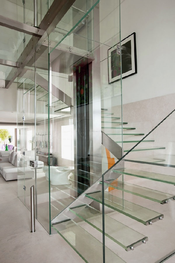 Modern-Minimalist-Glass-Staircase-Design-Ideas1 Turn Your Old Staircase into a Decorative Piece