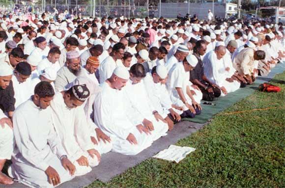 Muslims1 Muslims' Celebrations In Eid Al-Fitr