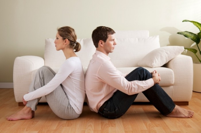 New-Couple-Disagreement 7 Tips to Read Your Man's Mind and Control Him