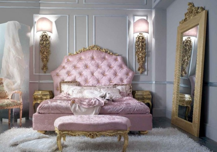Pink-Classic-Interior-Design-Style-930x653 Your Apartment Will Look Wonderful In The Classical Style
