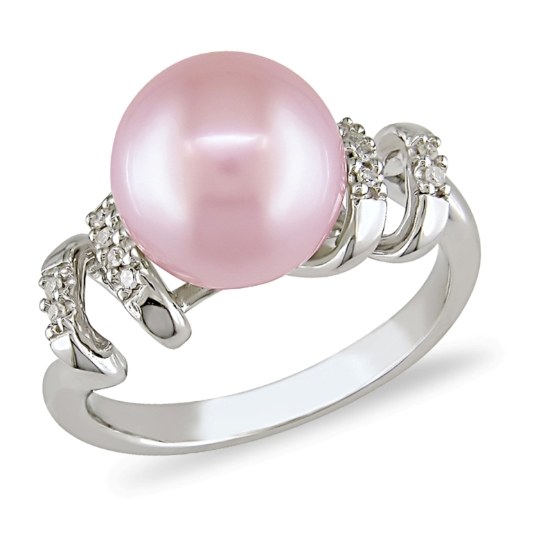 Pink-Pearl-and-0.05-ct-Diamond-Ring 7 Tips to Read Your Man's Mind and Control Him