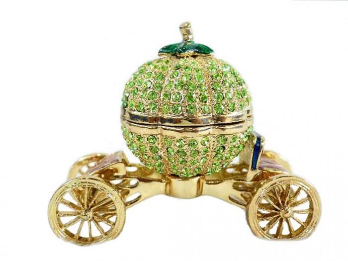 Pumpkin-Shaped-Carriage-Casket 10 Autumn Gift Ideas for Inspiring You
