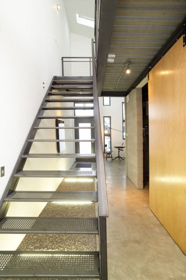 Small-House-Stairs-Design-600x900 Turn Your Old Staircase into a Decorative Piece