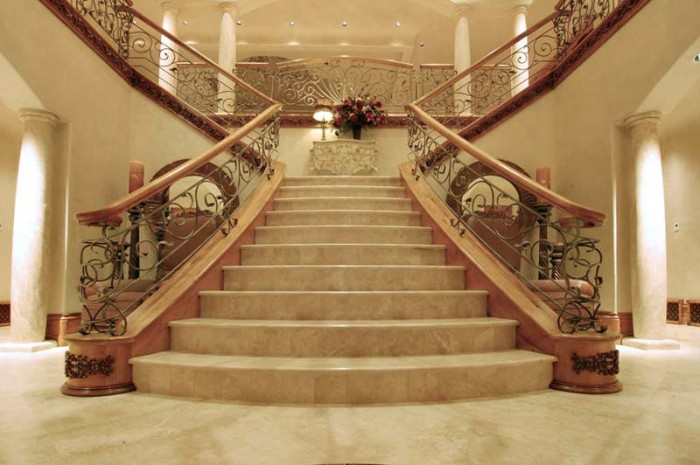 Stair-Railings-CHT01254 Decorate Your Staircase Using These Amazing Railings