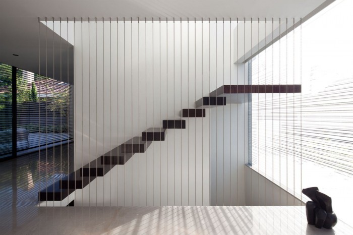 Swoon-worthy-modern-staircases-thoughts-on-design Decorate Your Staircase Using These Amazing Railings