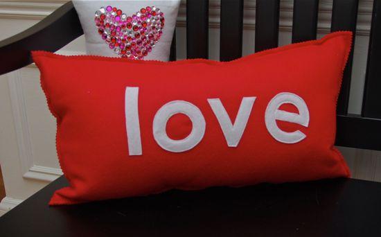 Valentine-Pillows-Design1 21 Unique And Cute Pillows Designs