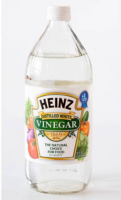 Vinegar_bottle 4 Natural Materials Prevent Fabrics From Fading And Keep The Colors Bright