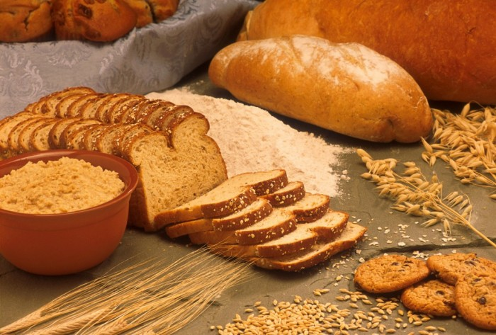 Whole-Grains-And-Pastas-Are-The-Complex-Carbs-Your-Body-Needs-1024x692 15 Ways You Should Know to Start Eating Healthy