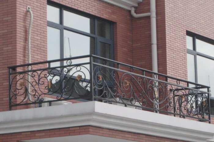 Wrought-Iron-Balcony-Railing-Models 60+ Best Railings Designs for a Catchier Balcony