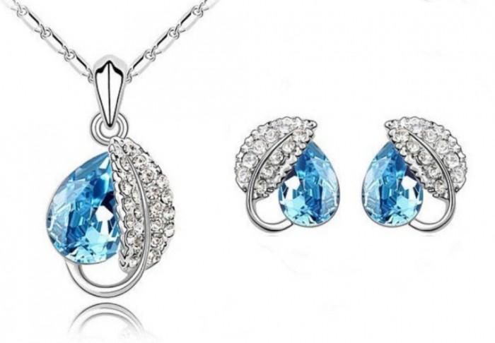 acacia_leaf_jewelry_set_blue_1 10 Autumn Gift Ideas for Inspiring You
