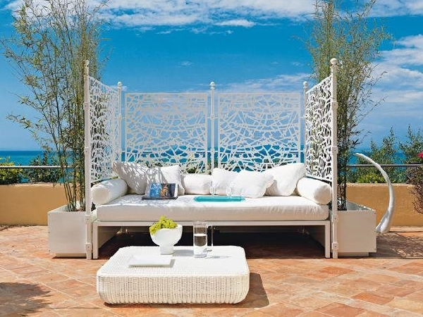 caprice Outdoor Beds Are Great For Relax During The Summer