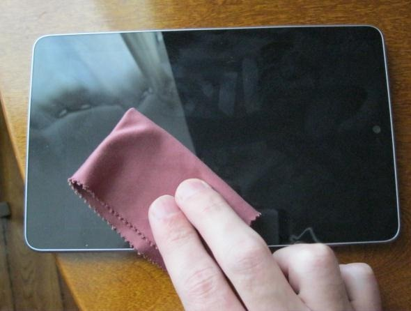 clean-tablet-touchscreen 5 Easy And Simple Steps For Cleaning Your Touch Screen