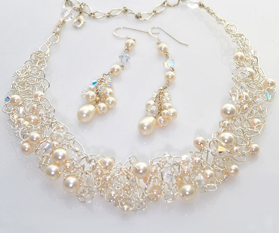 crochet-crystal-necklace 15 Interesting Tips For Choosing Jewelry