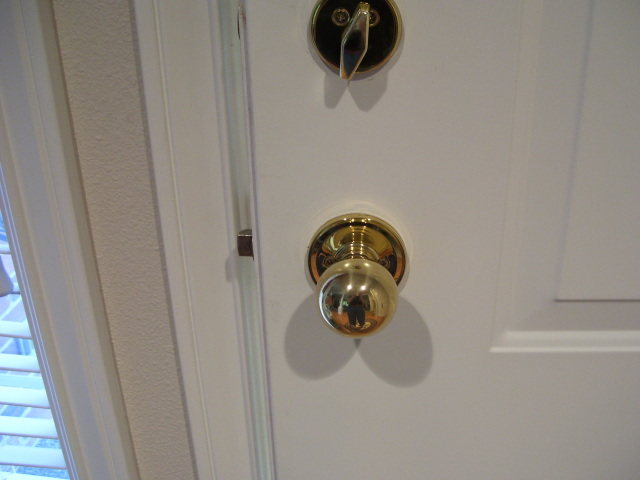 door-knob1 4 Tips On How To Buy Your Door Knobs With Ideas