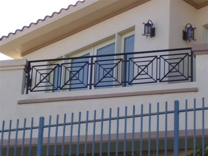 er013_small 60+ Best Railings Designs for a Catchier Balcony