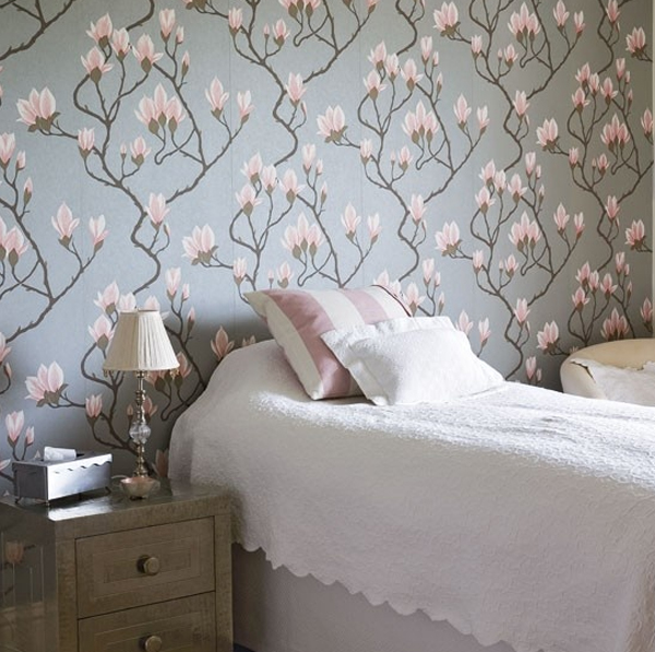 floral-bedroom-furniture-with-wallpaper-ideas Tips On Choosing Wallpaper For Your Bedroom