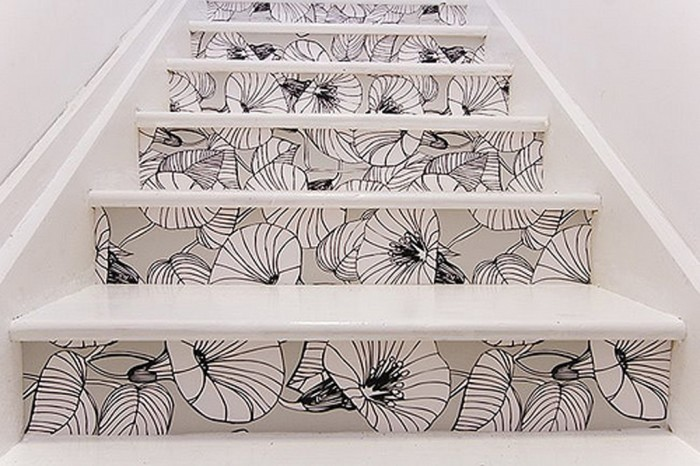 floral-wallpaper-stairs-design Turn Your Old Staircase into a Decorative Piece