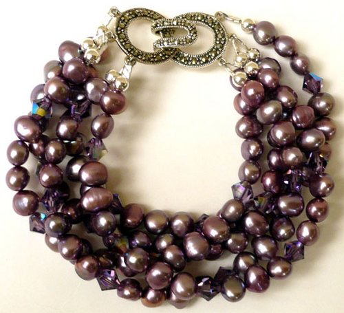 handmade_bracelet_purple_pearls 15 Interesting Tips For Choosing Jewelry