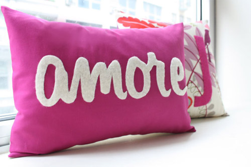 honey-pie-design-cute-pillow-1 21 Unique And Cute Pillows Designs