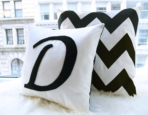 honey-pie-design-cute-pillow-2 21 Unique And Cute Pillows Designs