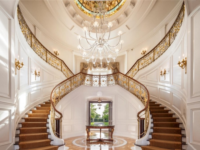 inside-the-grand-staircase-makes-quite-the-impression_zpsc64cde35 Make Your Home Look Like a Palace