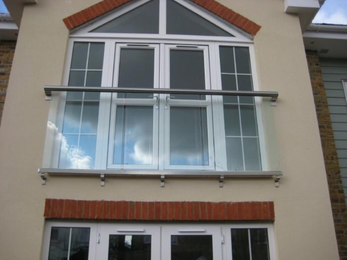 juliet-balcony-railings-1 60+ Best Railings Designs for a Catchier Balcony