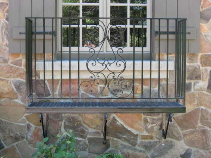 juliette_16 60+ Best Railings Designs for a Catchier Balcony