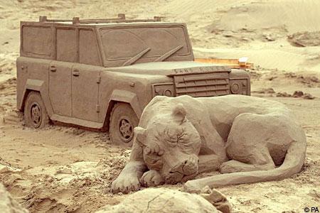 lionvansandPA_450x300 30 Stunning Installations Made Of Sand Beach
