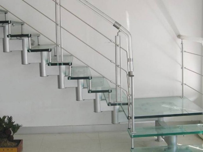 metal-railings-for-steps-3 Decorate Your Staircase Using These Amazing Railings