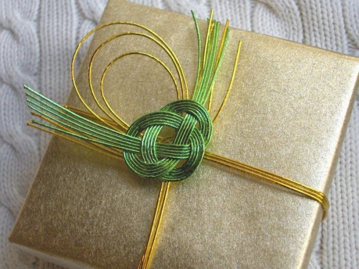 mizuhiki_gift_wrap 35 Creative and Simple Gift Wrapping Ideas
