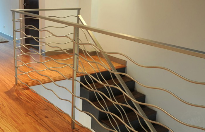 modern-design-metal-railing-downtown-chicago Decorate Your Staircase Using These Amazing Railings