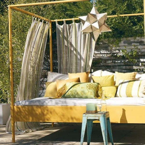 outdoor-bed-4 Outdoor Beds Are Great For Relax During The Summer