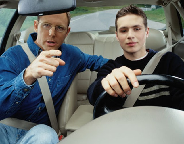 parents-teaching-teen-drivers 8 Tips To Have A Successful Teenage Life