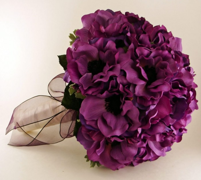 purple-wedding-flower-bouquets-414 10 Inexpensive and Fabulous Spring Gift Ideas