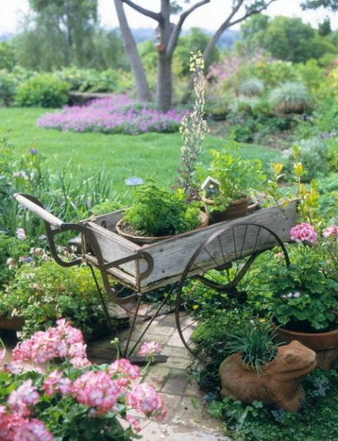 rustic-garden-8 13 Impressive Rustic Garden Style With Its Attractive Elements