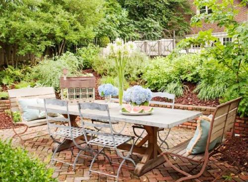 rustic-garden 13 Impressive Rustic Garden Style With Its Attractive Elements