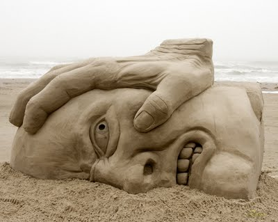 sand-art-5 30 Stunning Installations Made Of Sand Beach