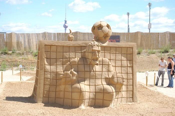 sand-art5 30 Stunning Installations Made Of Sand Beach