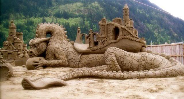 sand-art8 30 Stunning Installations Made Of Sand Beach