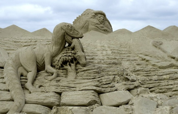 sand_art_and_play_by_bagfinder-d2xn3pd 30 Stunning Installations Made Of Sand Beach