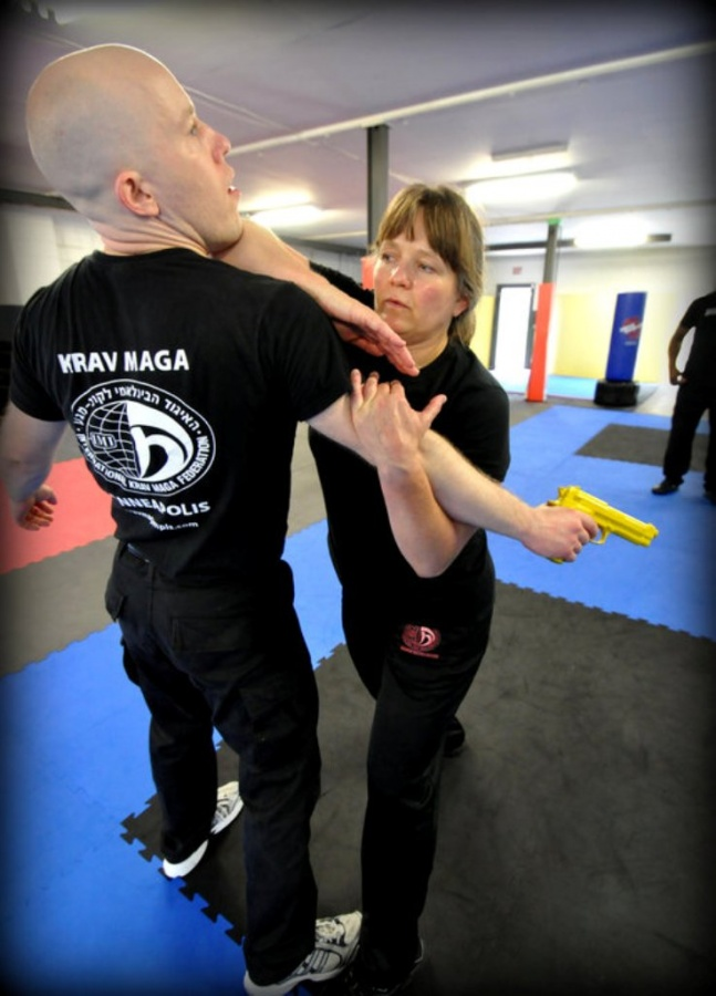 shlomiwomen4 Do You Know How to Protect Yourself? Self-Defense for Women