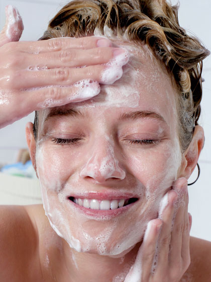 skin-commandments-wash-your-face 6 Steps To Stay Naturally Beautiful