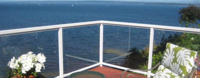 slider-1 60+ Best Railings Designs for a Catchier Balcony