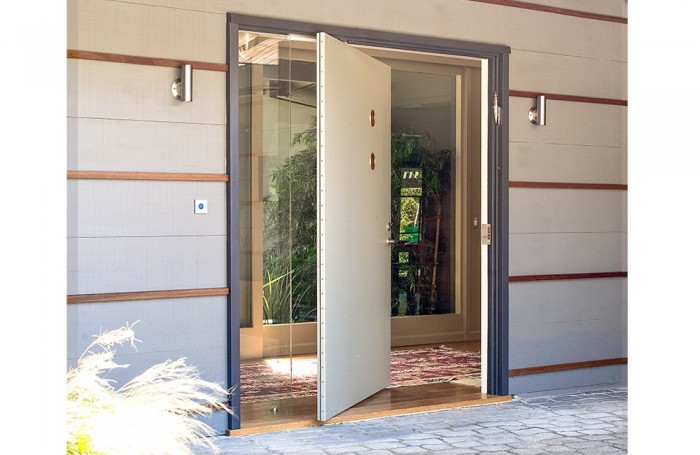 symNivopage11_1 It Is Not Just a Front Door, It Is a Gate