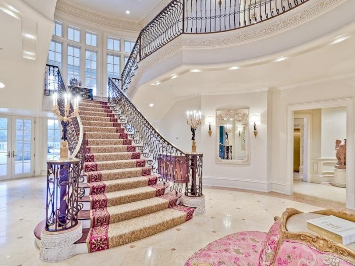 the-grand-staircase-upon-entering Make Your Home Look Like a Palace